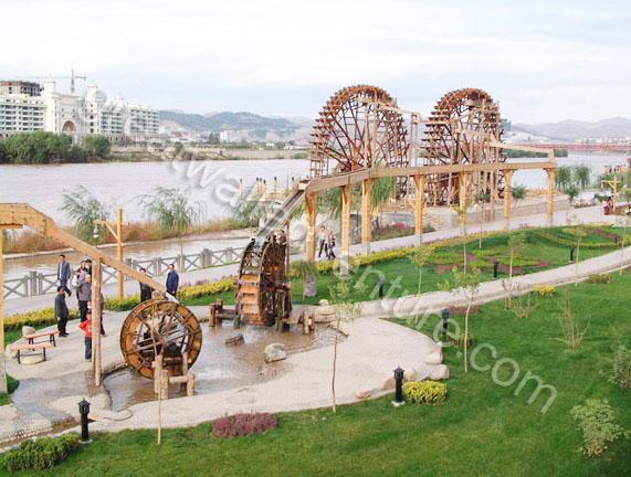 Lanzhou Is The Only City Through Which The Yellow River Flows; There Are  Thus Many Irrigation Machines In The City. The Waterwheel Invented By Duan  Xu In ...