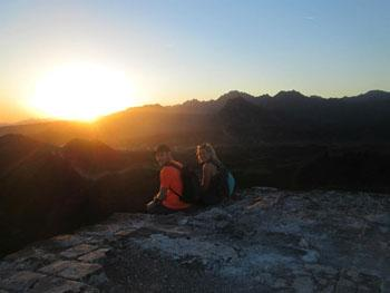 Sleep On The Great Wall To Watch Surise On Great Wall